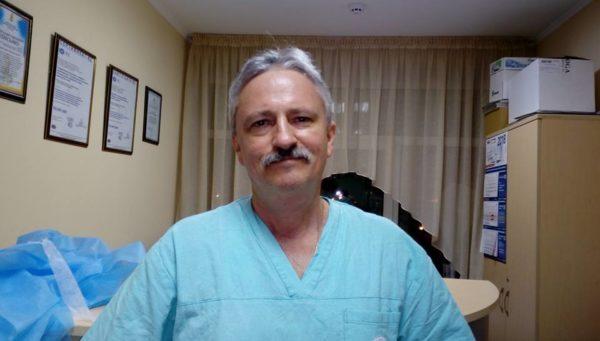 Петербургский хирург восстановил кисть пострадавшей при нападении в Бурятии школьницы