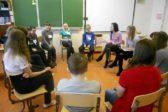 Детский омбудсмен: Необходимо срочно ввести должность психолога в российских школах