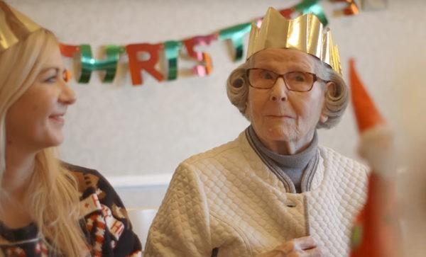 Мне 96, и я помогаю другим людям находить друг друга