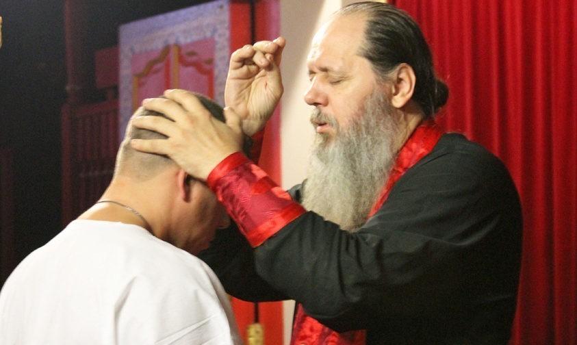 Коммерческо-религиозный проект священника Владимира Головина