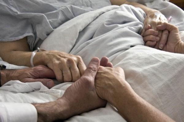 Новый законопроект предлагает дать возможность посещать больных в реанимации