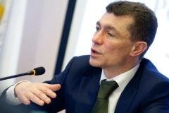 Безработица в России будет снижаться, а зарплаты продолжат расти, считает министр труда Максим Топилин