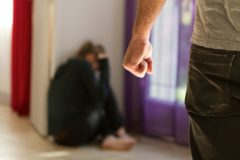 Жительница Приморья получила 3 года тюрьмы за убийство мужа при самозащите
