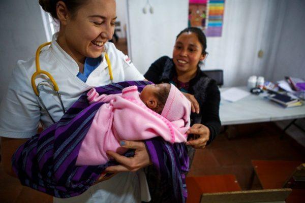 Русский врач из Гватемалы: Я не могу спокойно смотреть, как людей не лечат из-за бедности