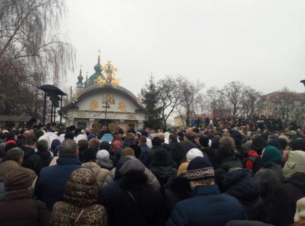 Десятинный монастырь в Киеве просит защиты у международных организаций