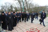 Главы духовных общин Дагестана возложили цветы к месту расстрела прихожан в Кизляре