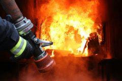 В Челябинской области 82-летняя женщина погибла, спасая троих праправнуков из огня