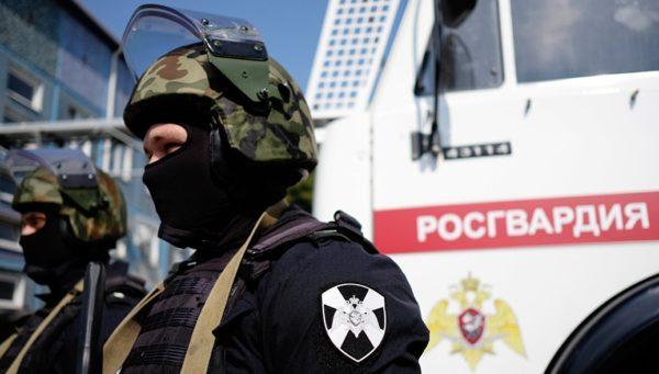 Во время перестрелки в Казани погиб защищавший взрослых и детей сотрудник Росгвардии
