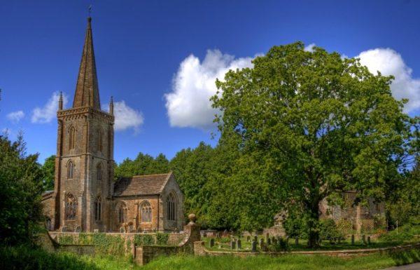 Церковные шпили в Великобритании используют как передатчики мобильной связи и wi-fi