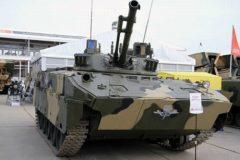 Священников научат управлять боевой машиной десанта и пользоваться военной связью