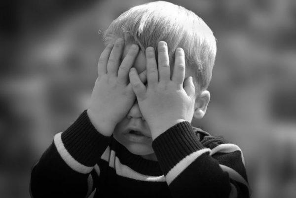 СК призвал пересмотреть порядок усыновления из-за насилия в приемных семьях