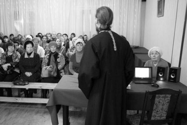 Обесценить просвещение — значит превратить священника в жреца