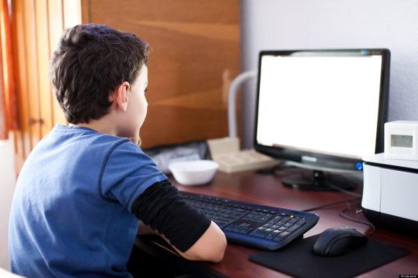 Половина российских школьников сталкивается с травлей в интернете