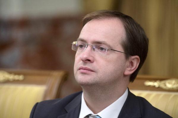 Владимир Мединский выступил за ограничение числа сеансов одного фильма в кинотеатрах