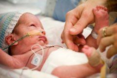 Выхаживать новорожденных – значит мешать промыслу Бога?