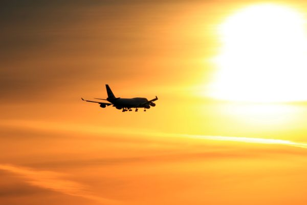 В Иране потерпел крушение самолет с 60 пассажирами на борту
