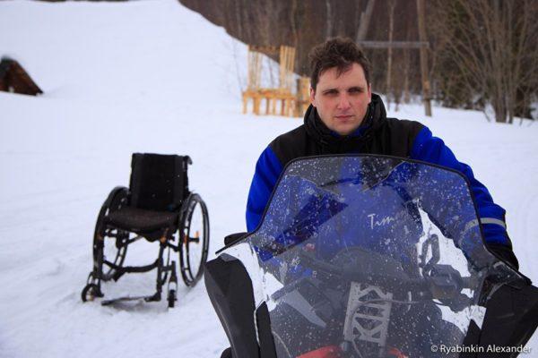 Колясочник из Мурманска отправится в экстремальную экспедицию на снегоходе