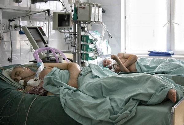 Почему в российской реанимации положено лежать голыми
