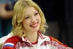 Олимпийская чемпионка продаст подаренный за победу BMW ради благотворительности