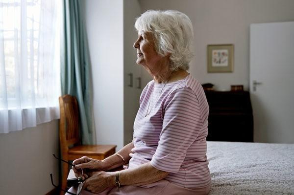 Болезнь Альцгеймера научатся сдерживать к 2028 году – нобелевские лауреаты