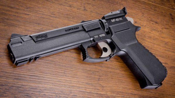 Курганская ученица устроила в школе стрельбу – пострадали семеро детей
