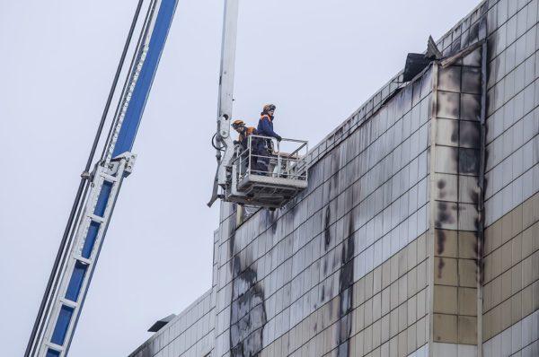 Выпрыгнувший во время пожара в Кемерово с четвертого этажа мальчик пришел в сознание