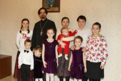 Владимир Путин наградил семью священника Филиппа Ильяшенко
