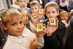 Архимандрит Андрей (Конанос): Отнимая у детей Христа, на что ты рассчитываешь?