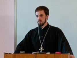Священник Стефан Домусчи