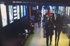 "Опубликована видеозапись эвакуации с камер, висевших у кинозалов ТРЦ ""Зимняя вишня"""