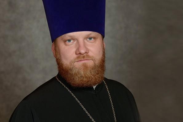 """Священник, поющий """"Мурку"""" – за гранью допустимого"""