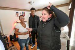 В Детройт с любовью: обеспеченная женщина помогает 85 семьям