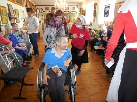 Сестры милосердия поздравят с Пасхой несколько тысяч больных и одиноких екатеринбуржцев