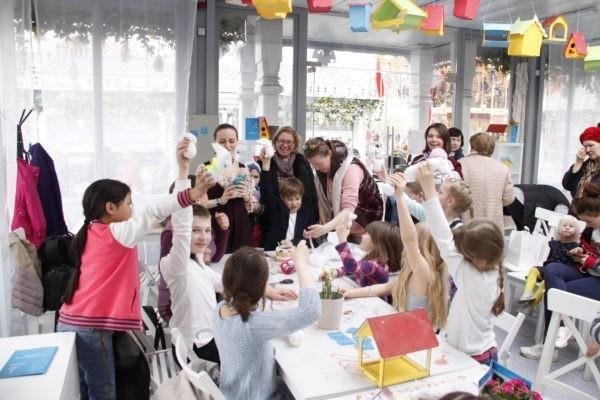 Волонтеры фонда «Правмир» провели мастер-классы для посетителей фестиваля «Пасхальный Дар»
