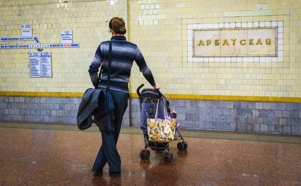 Минтранс отказался от идеи полного запрета детских колясок в метро
