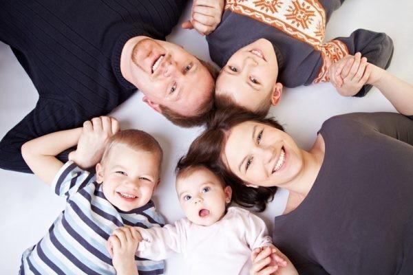 Половина российских многодетных семей не знает о положенных им льготах