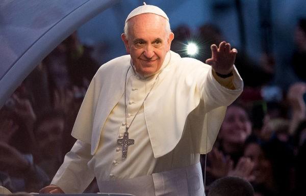 Папа Римский на свои именины раздаст беднякам и бездомным мороженое