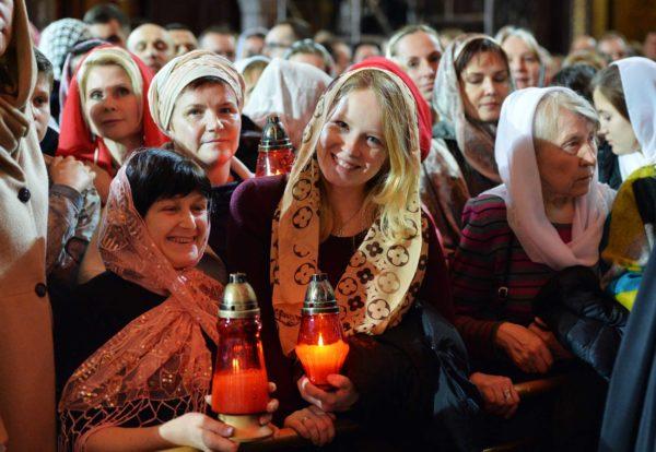 Патриарх Кирилл обратился кверующим сежегодным Пасхальным посланием