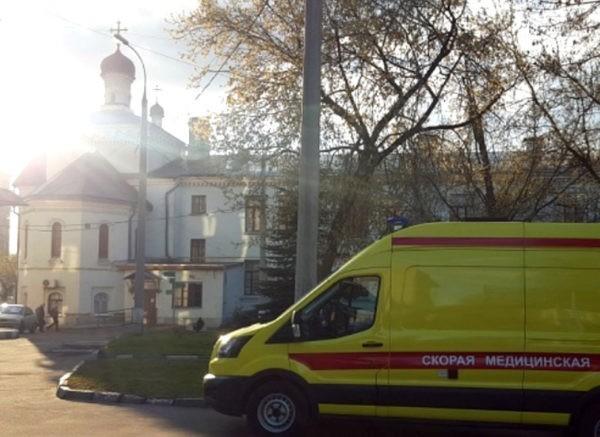 Больница святителя Алексия получила реанимобиль, купленный вместо цветов для Патриарха Кирилла