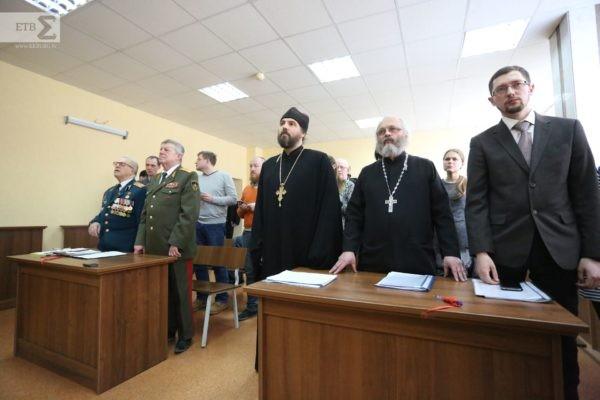 Суд встал на сторону екатеринбургского священника, сравнившего Ленина с Гитлером