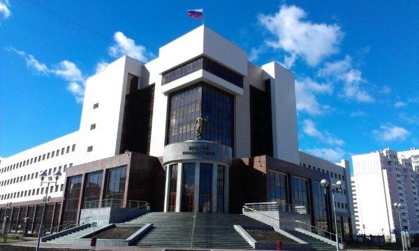Суд отпустил из-под ареста кормящую мать, осужденную на три года колонии за приватизацию земли
