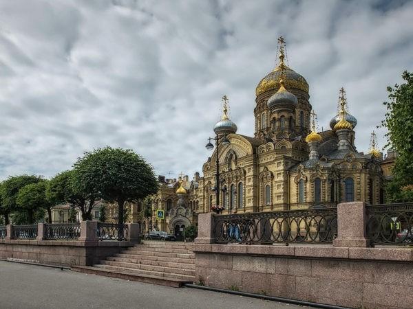 Петербургские руферы пили пиво и сквернословили на куполе  Успенской церкви