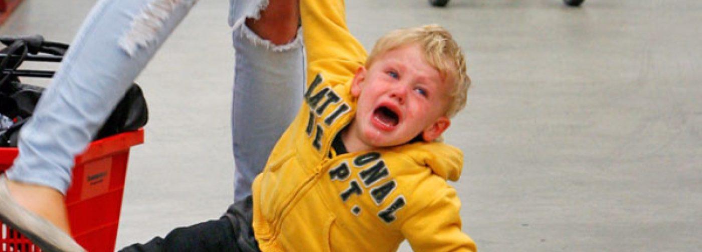 Чужой ребенок в истерике — 6 советов, как помочь и не навредить