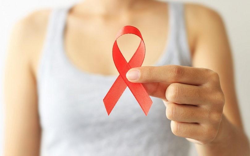 Кто такие ВИЧ-диссиденты и почему Минздрав хочет запретить их пропаганду