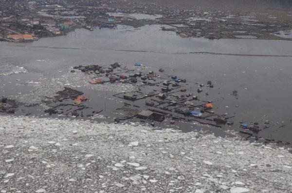 В Якутии эвакуировали 1300 человек из-за паводка