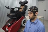 В Новосибирске создали первую в мире инвалидную коляску-вездеход, управляемую силой мысли