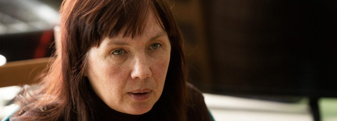 «Удушающая любовь»: директор убежища для женщин о том, откуда родом насилие