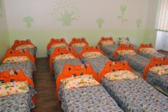 Воспитательница казанского детсада била и душила ребенка за отказ спать