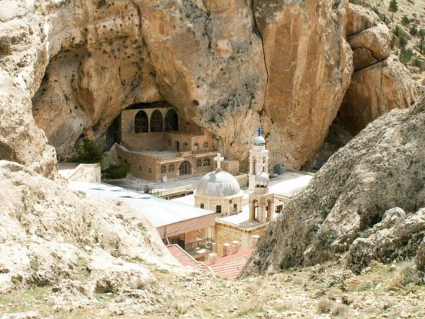 Разрушенный древний храм в сирийской Маалюле окончательно восстановят за месяц