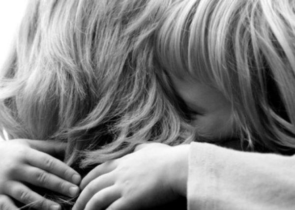 В Волгограде приемная мать вернула изъятых опекой из-за синяка троих детей